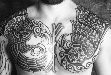Кельтские тату на груди