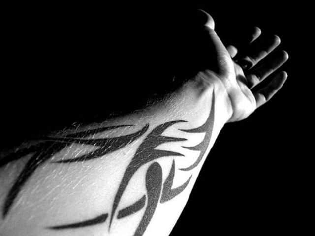 тату руке мужские полинезия