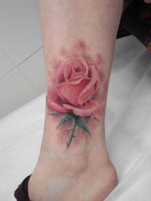 Фото тату на ноге розы