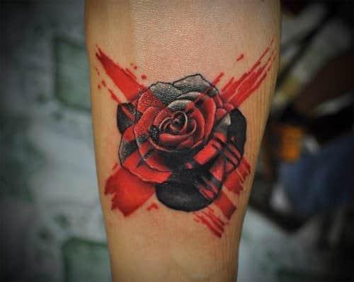 Фото татуировки розы в стиле треш