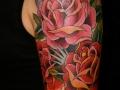Татуировка розы в стиле Олд Скул
