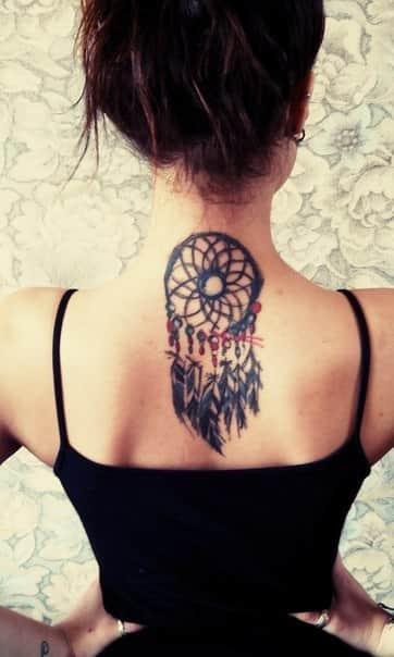 Татуировки на спине девушки картинки