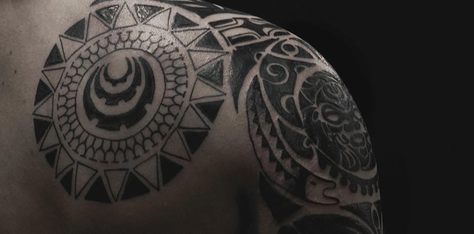 Татуировки для мужчин в стиле полинезия