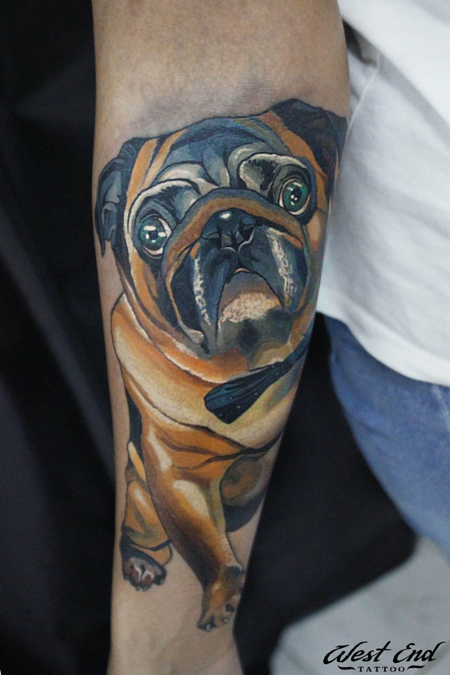 Тату пес на руке