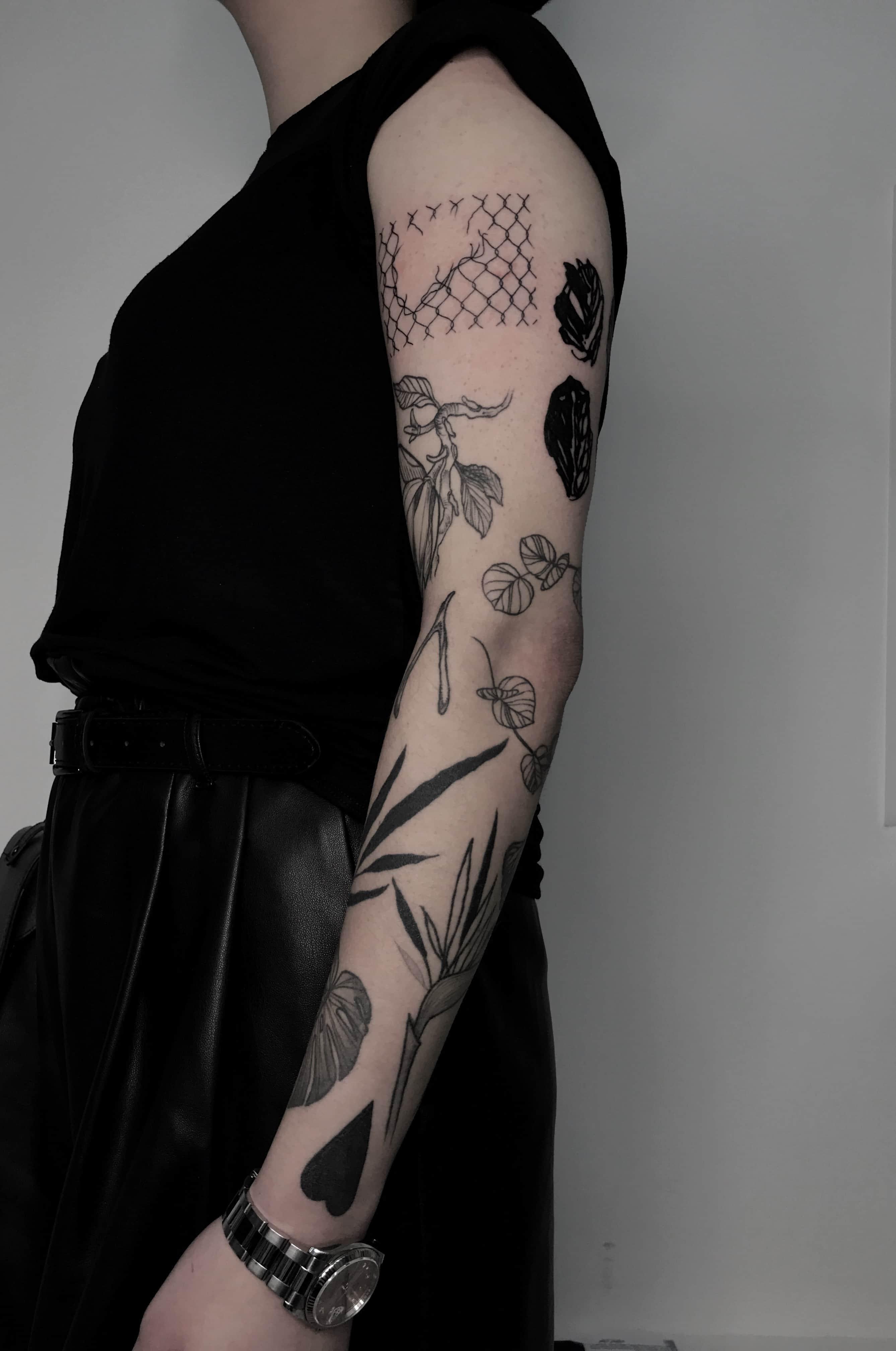 Большие тату орнамент на руке