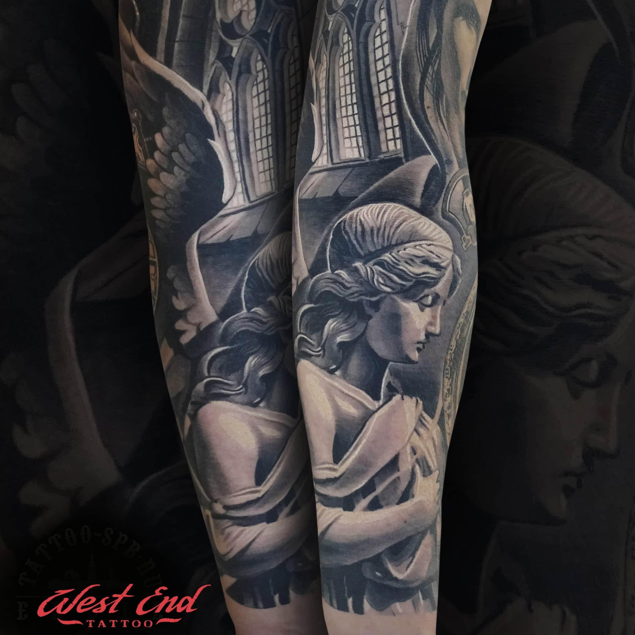 Крупные тату на руке черного цвета