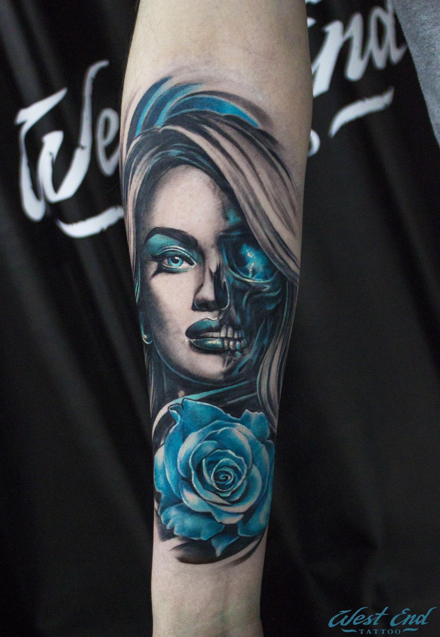 Тату портрет цветная девушка татуировка чб