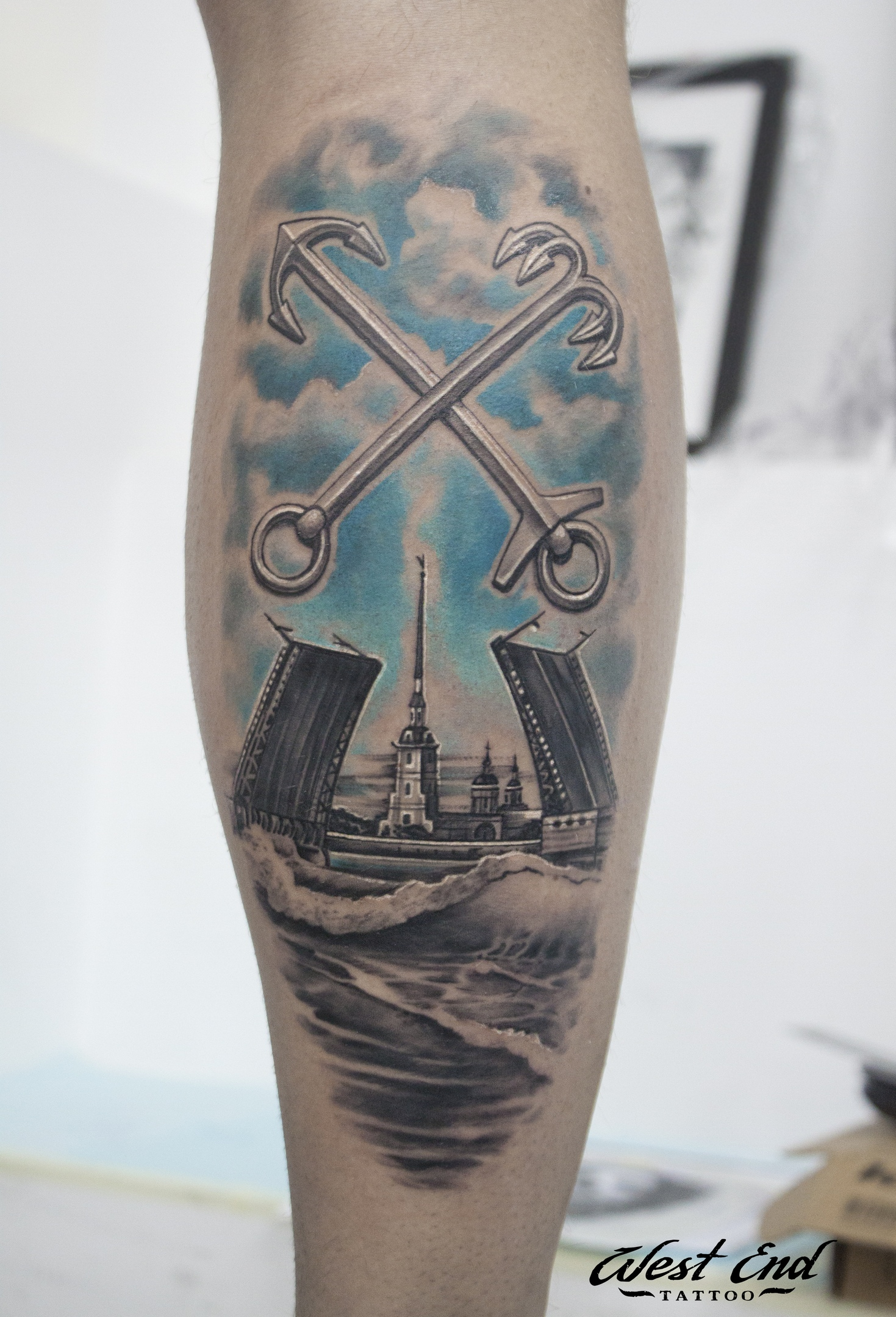 Тату реализм питер татуировка на ноге