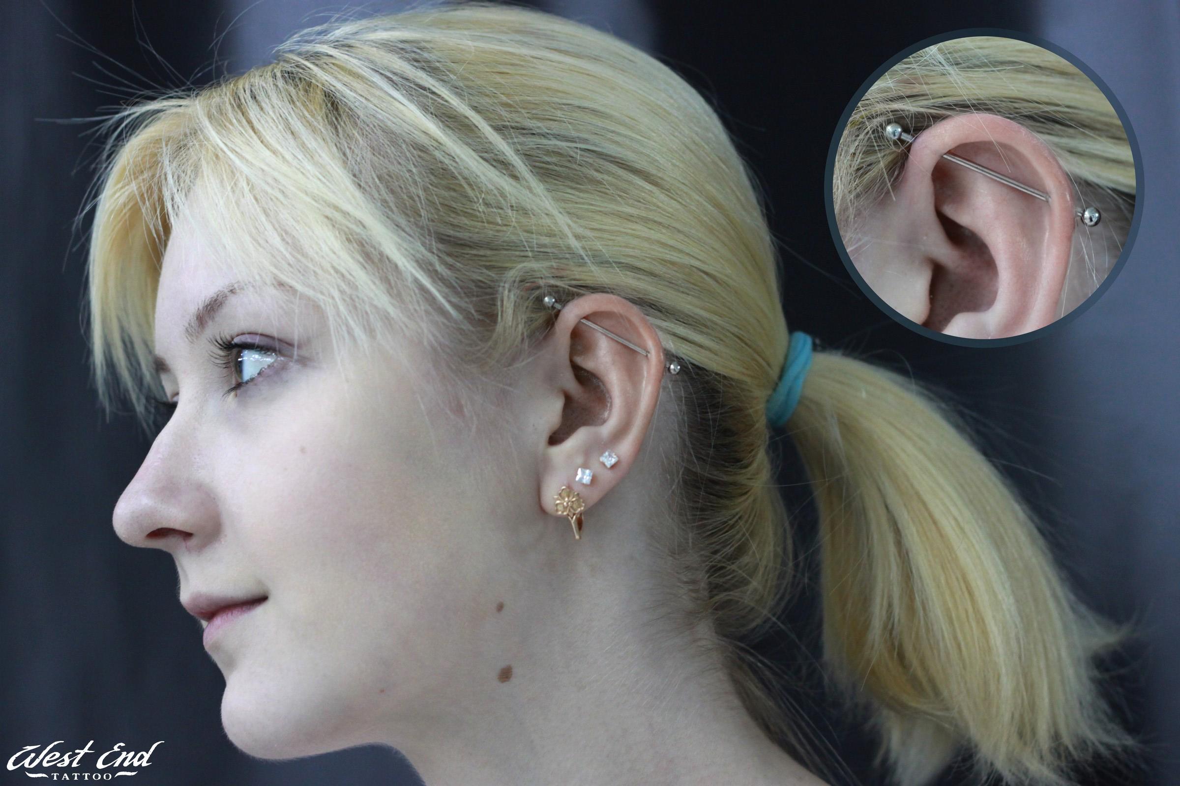 Индастриал и тройной прокол мочки уха