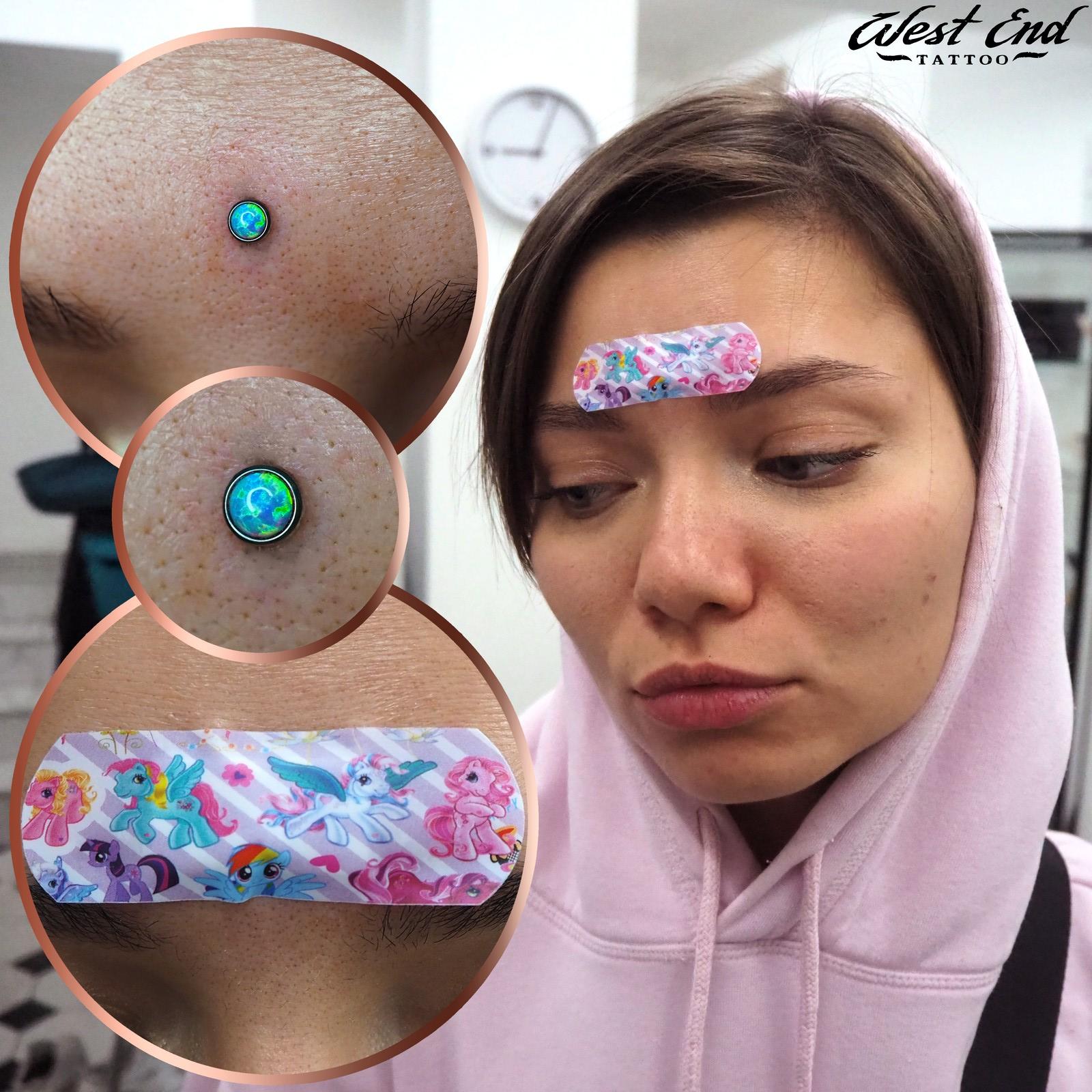 Мода в японии пряники на лбу фото